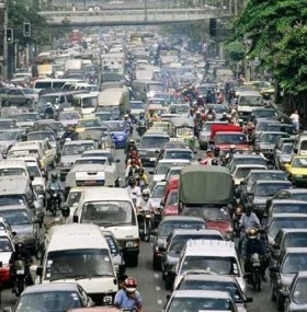 Not to be showcased to the APEC delegates: Awful traffic on a normal day in Manila.