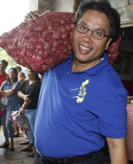 Sec. Mar Roxas in more bountiful times