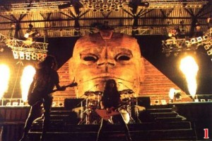 The Sphinx from the Hot In The Shade tour.