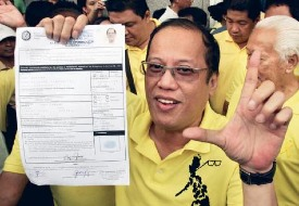 To PNoy, there are only two types of Filipinos: (1) those who wear yellow, and (2) all the rest.