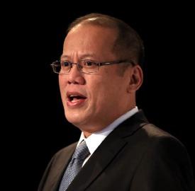 At one point Aquino propagandist Conrado de Quiros likened Noynoy to Aragorn.