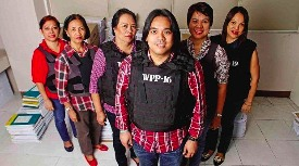 Celebrity treatment: Pork barrel scam whistleblower Benhur Luy and his crew (photo found on Facebook)