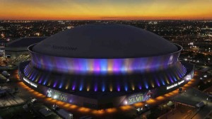 The Superdome in New Orleans, Louisiana. You might remember it during Katrina. Average paid attendance per NFL game 72,901. Looks indoors to me.