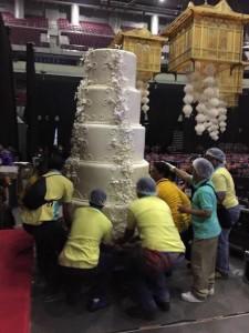 7M pesos for a wedding cake. Economic stimulus or unnecessary extravagance?