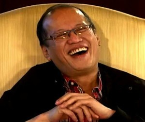 PNoy enjoying Vice Ganda's easy questionsInterviewee or comedy sidekick?