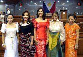 Throwback SONA 2014: Unnecessary fashion displays may violate laws on 'thoughtless extravagance'. (Photo source: Interaksyon.com)