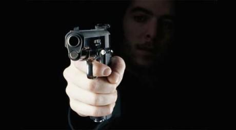 violence_gun_pointed-apha-090325
