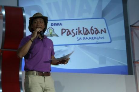 Kim Atienza at Pasiklaban sa Paaralan (Photo from pasiklabancaravan.wordpress.com)